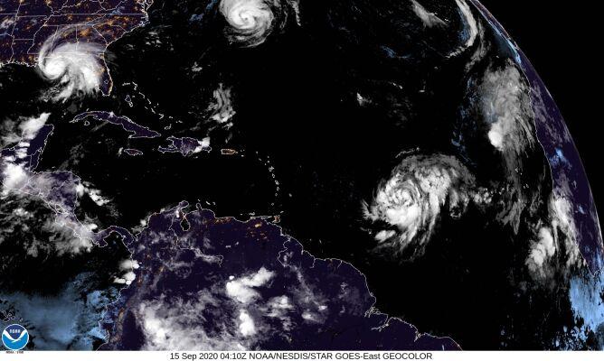 Zdjęcie satelitarne Atlantyku z 15 września (NOAA)
